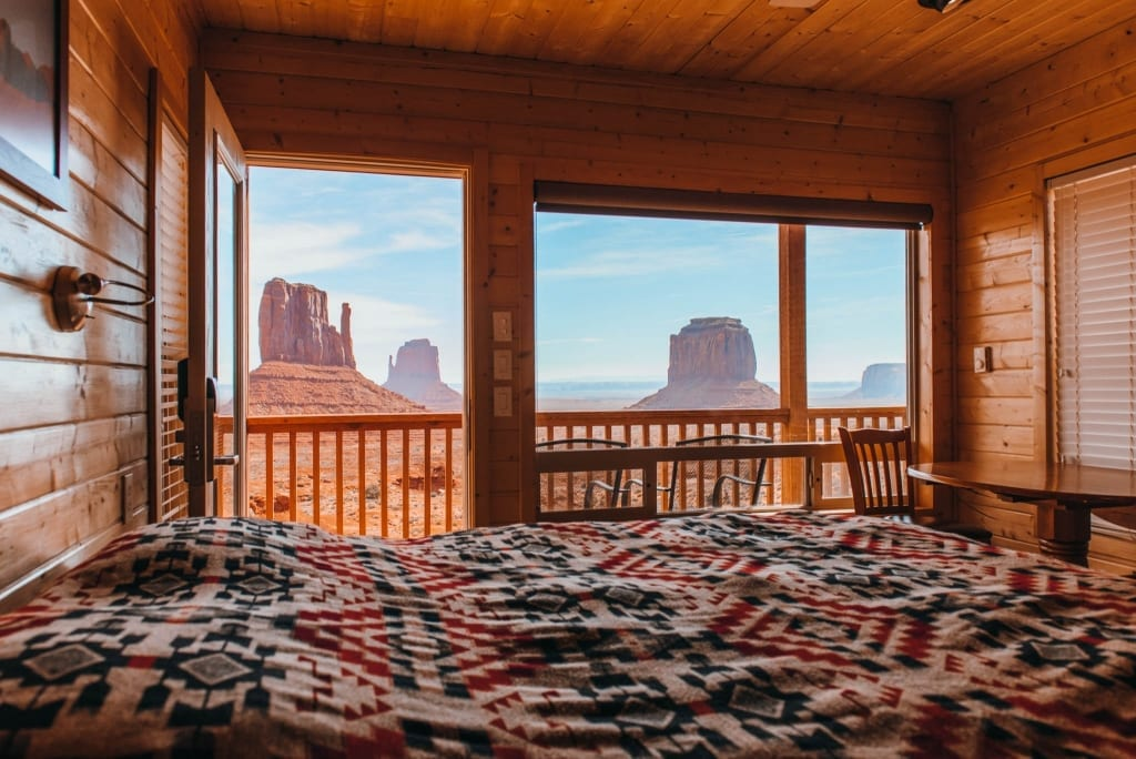 Where To Stay The Only Hotel In Monument Valley Is View
